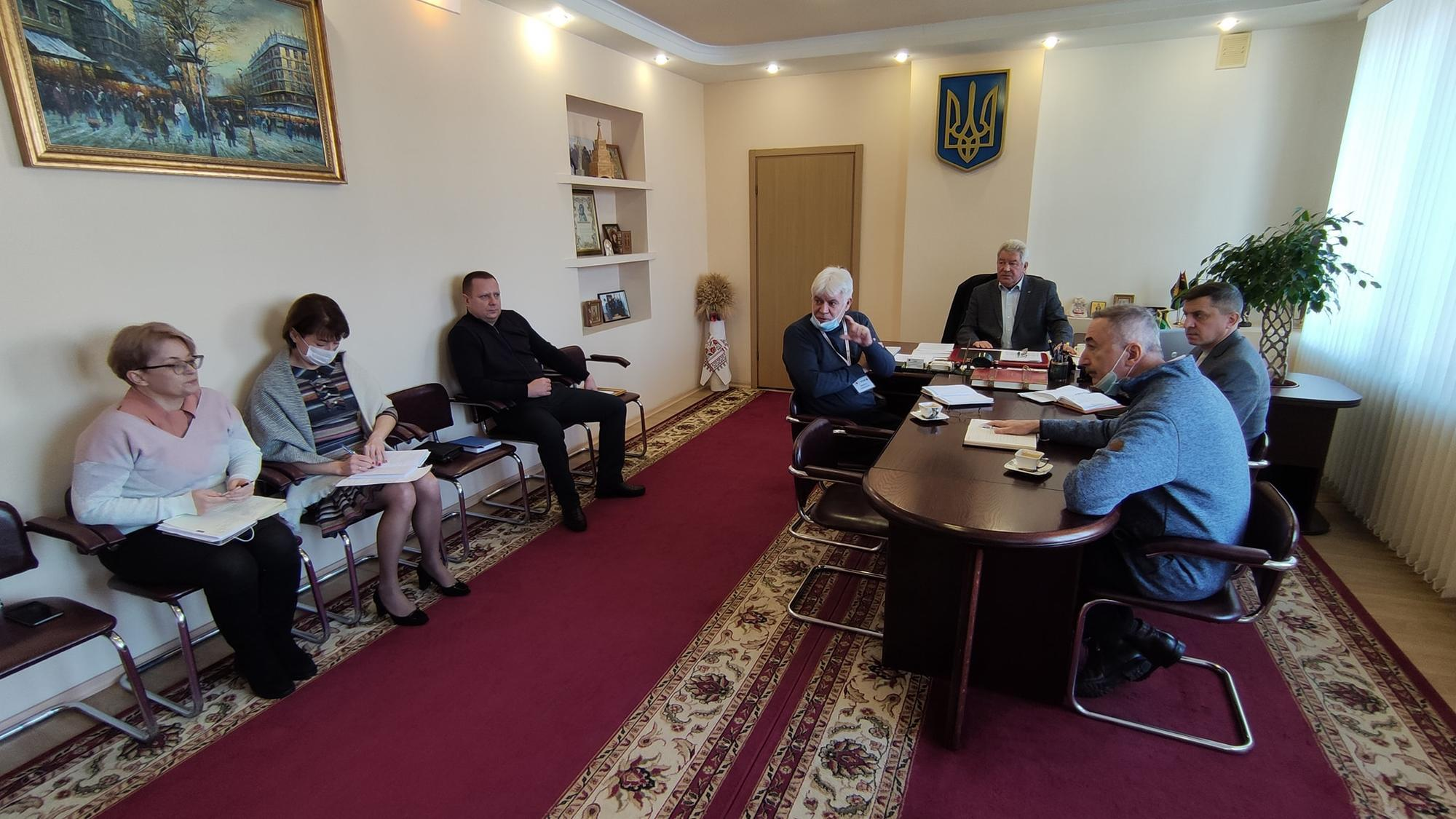 Мэр Бахмута Алексей Рева и его гости без масок