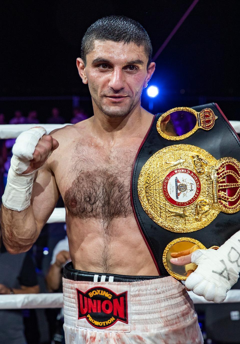 боксер Артем Далакян