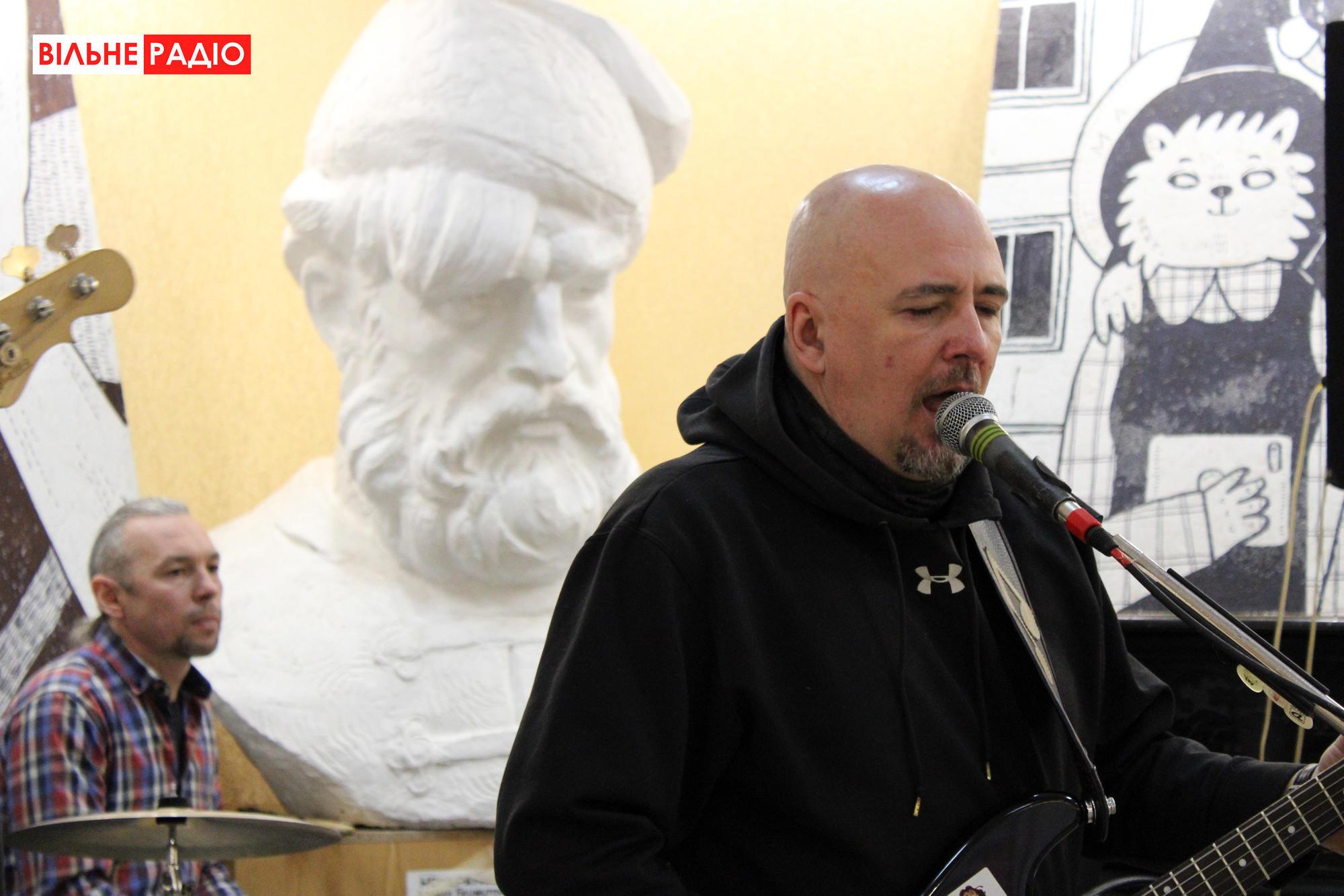 У Бахмуті відкрилася виставка робіт художників-авангардистів