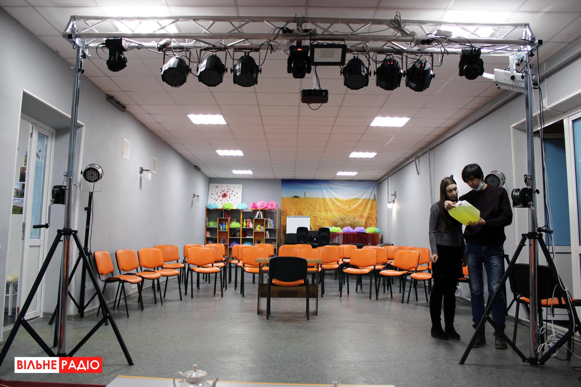 Зрительный зал в Ильиновке на Донетчине