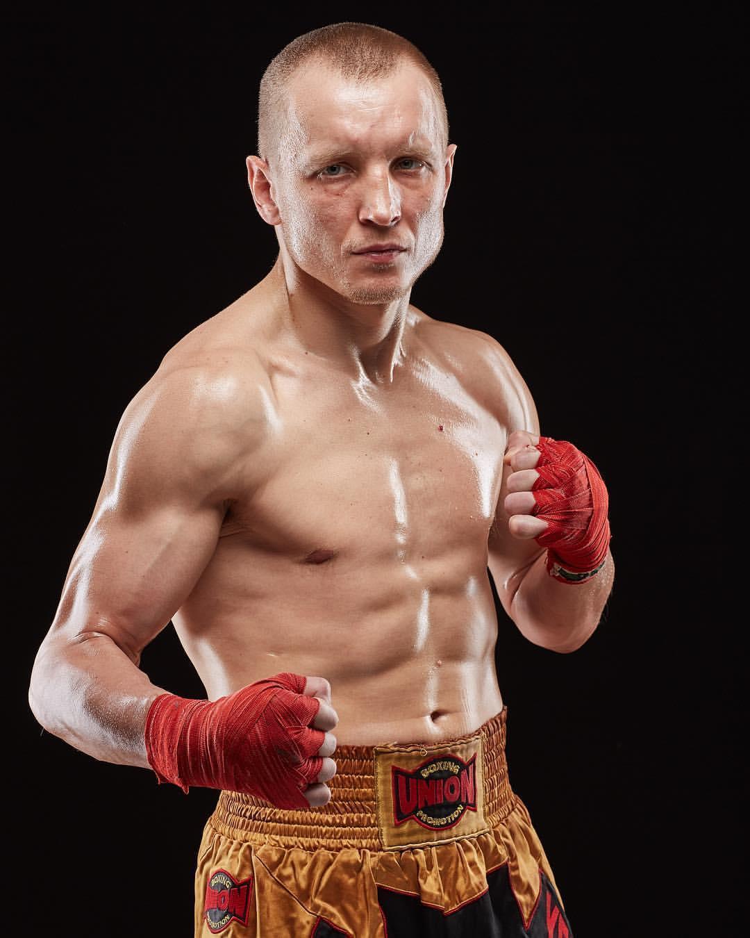 боксер Олег Єфимович з Соледара