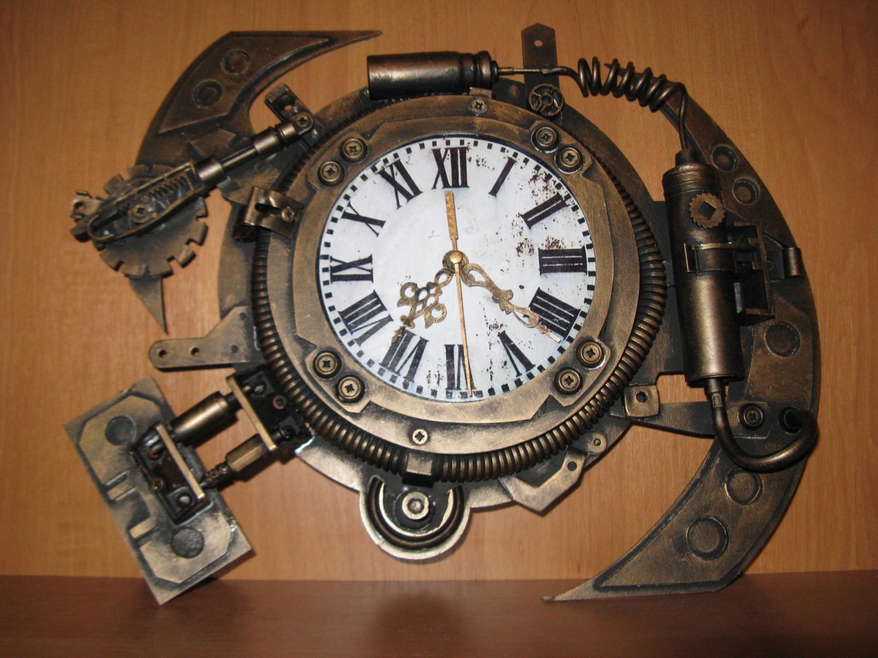 настінний стімпанк годинник зроблений в Бахмуті