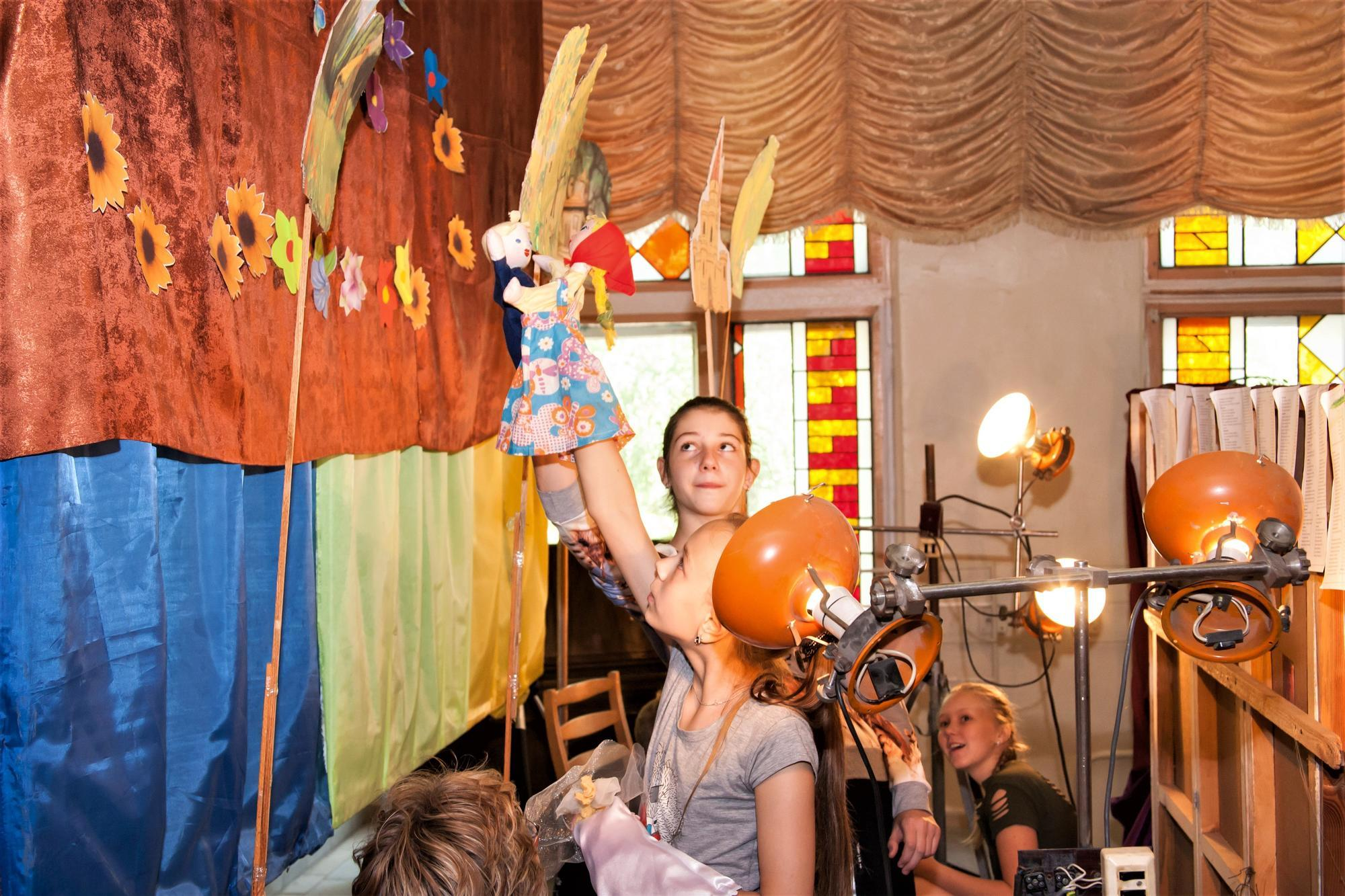 ляльковий театр у Світлодарську