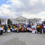 На Донеччині провели першу жіночу ходу проти домашніх тиранів