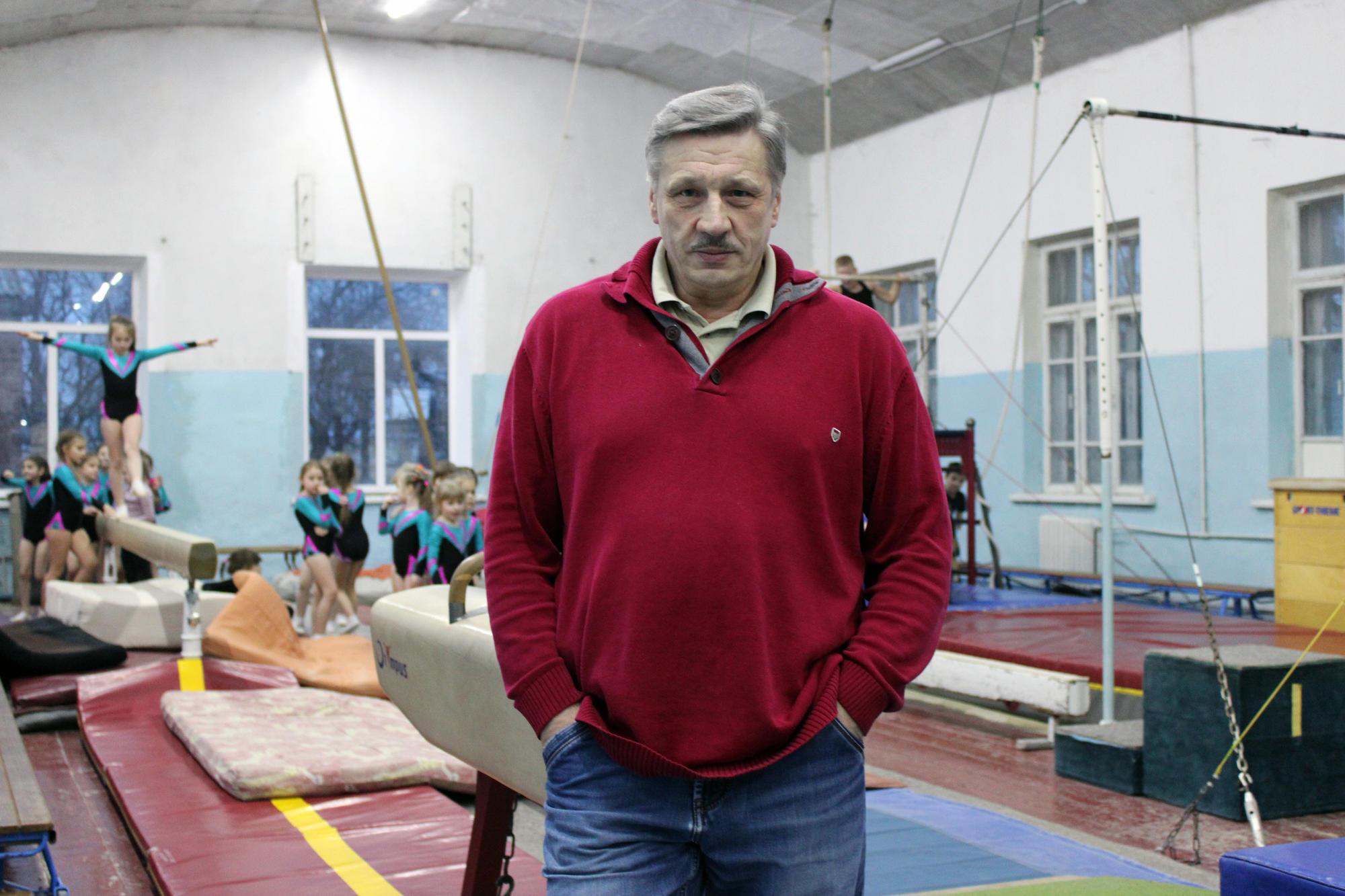 Тренер бахмутських гімнасток Олександр Ткаченко