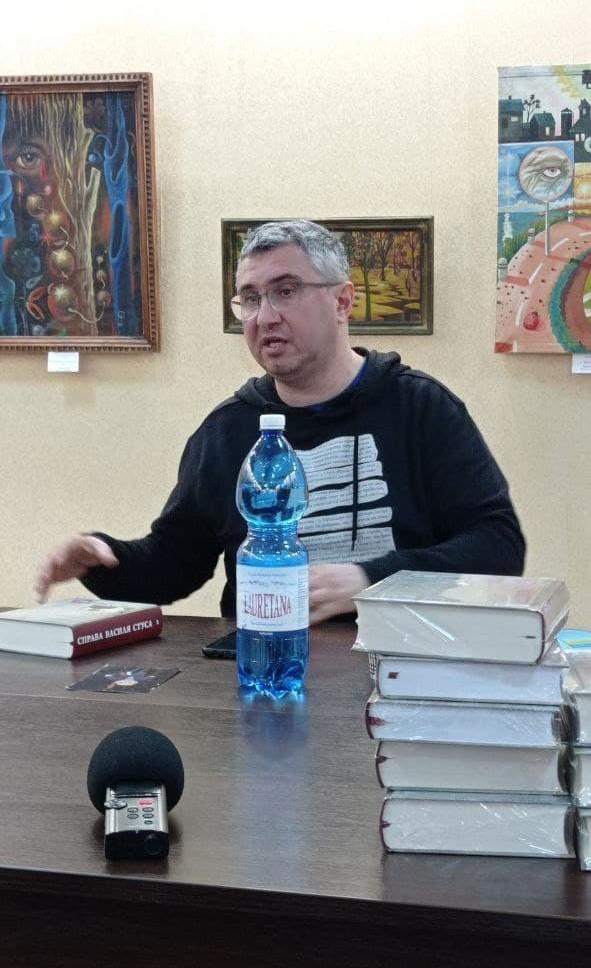 Вахтанг Кипиани в Бахмутском музее