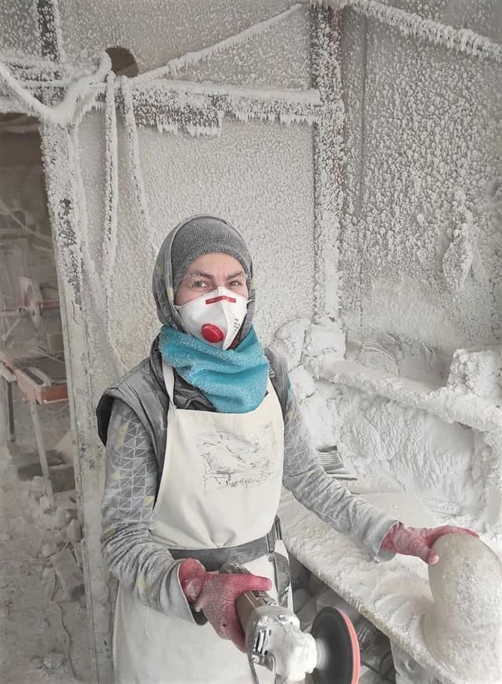 Валентина Беро в соляной мастерской Соледара