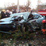 В Торецьку зіштовхнулися 2 легковики. Троє людей загинули, ще двоє — в лікарні (ФОТО)
