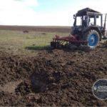 Фермер з окупованого села під Гнутовим наїхав на вибухівку в полі