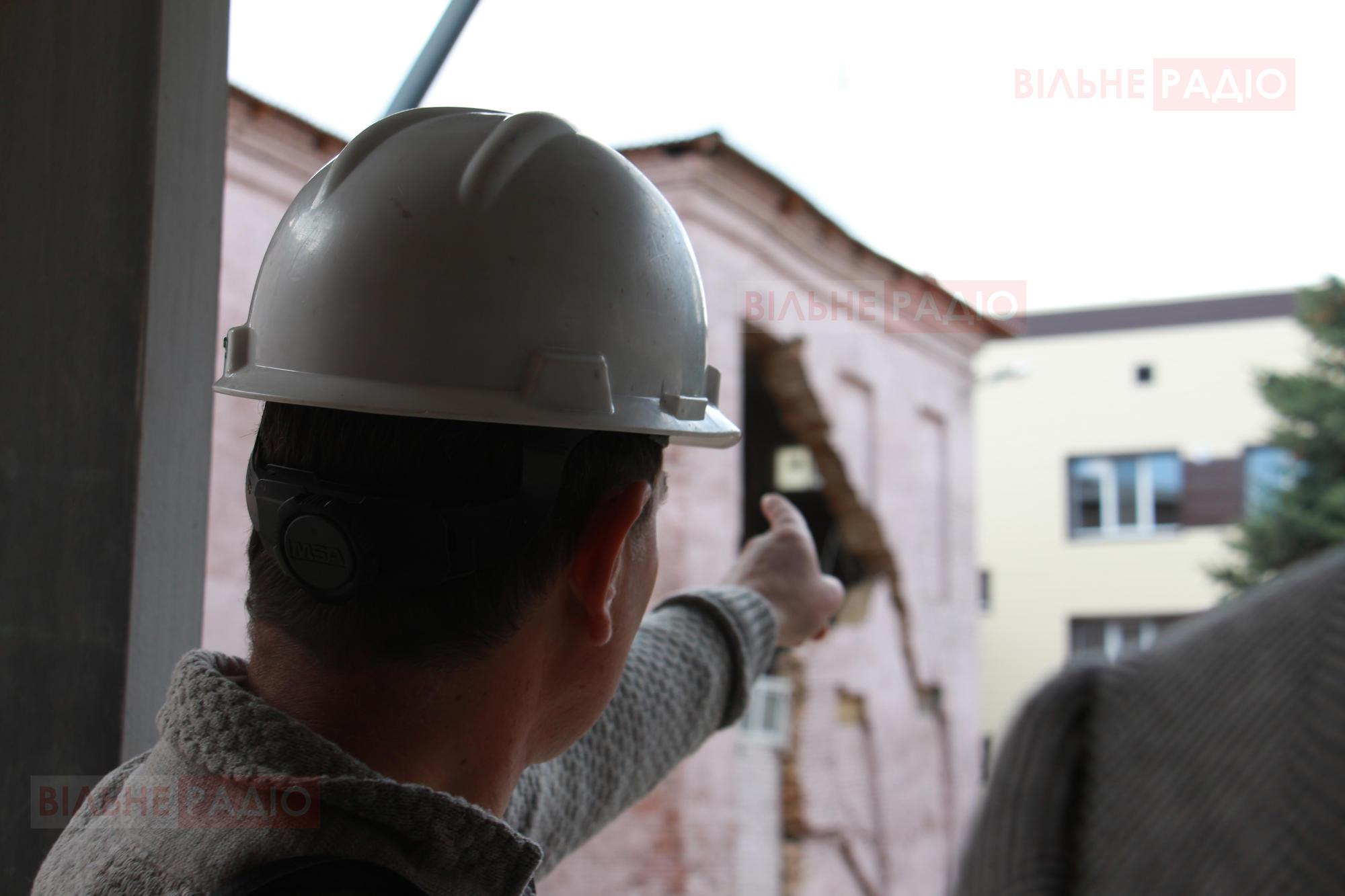 В 11 школі розібрали частину даху і планують збирати все заново після демонтажу