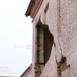 В Бахмуте в одной из школ, где делают ремонт, обвалилась стена. В горсовете говорят, что это предусматривали (ФОТО)