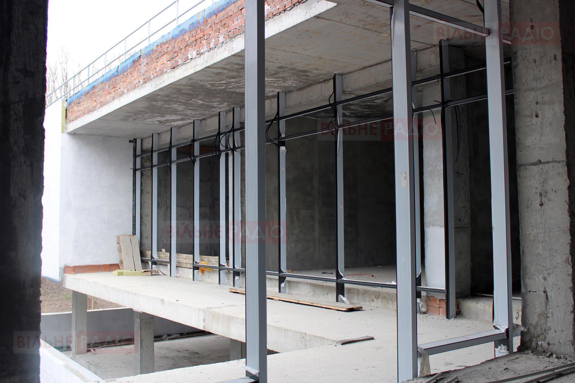 В Бахмуте возобновили строительство Центра предоставления административных услуг