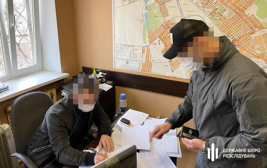 Смерть затриманого у Костянтинівському відділі – ДБР повідомило про підозру начальнику