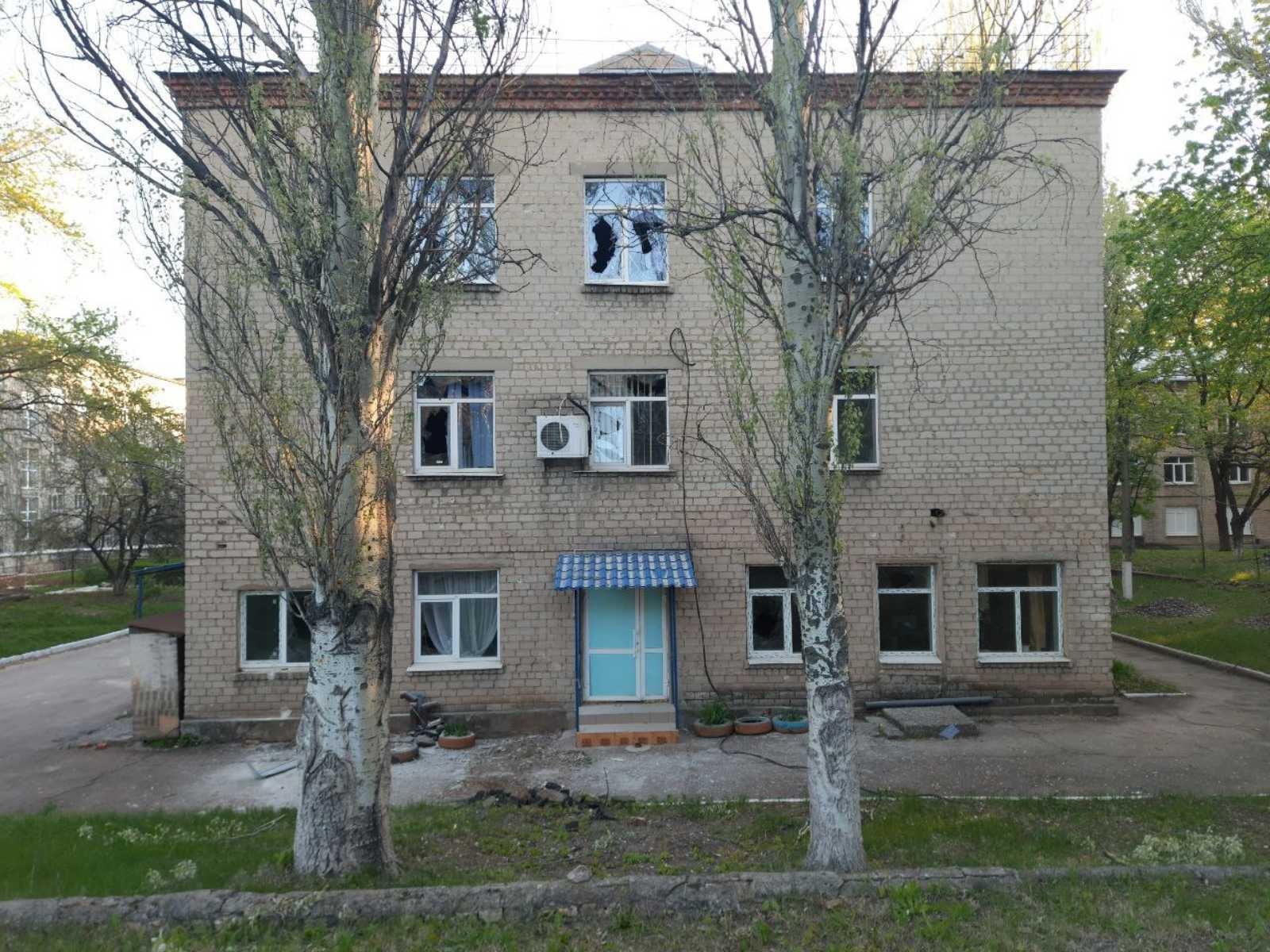 Від обстрілів бойовиків постраждала лікарня на Донеччині