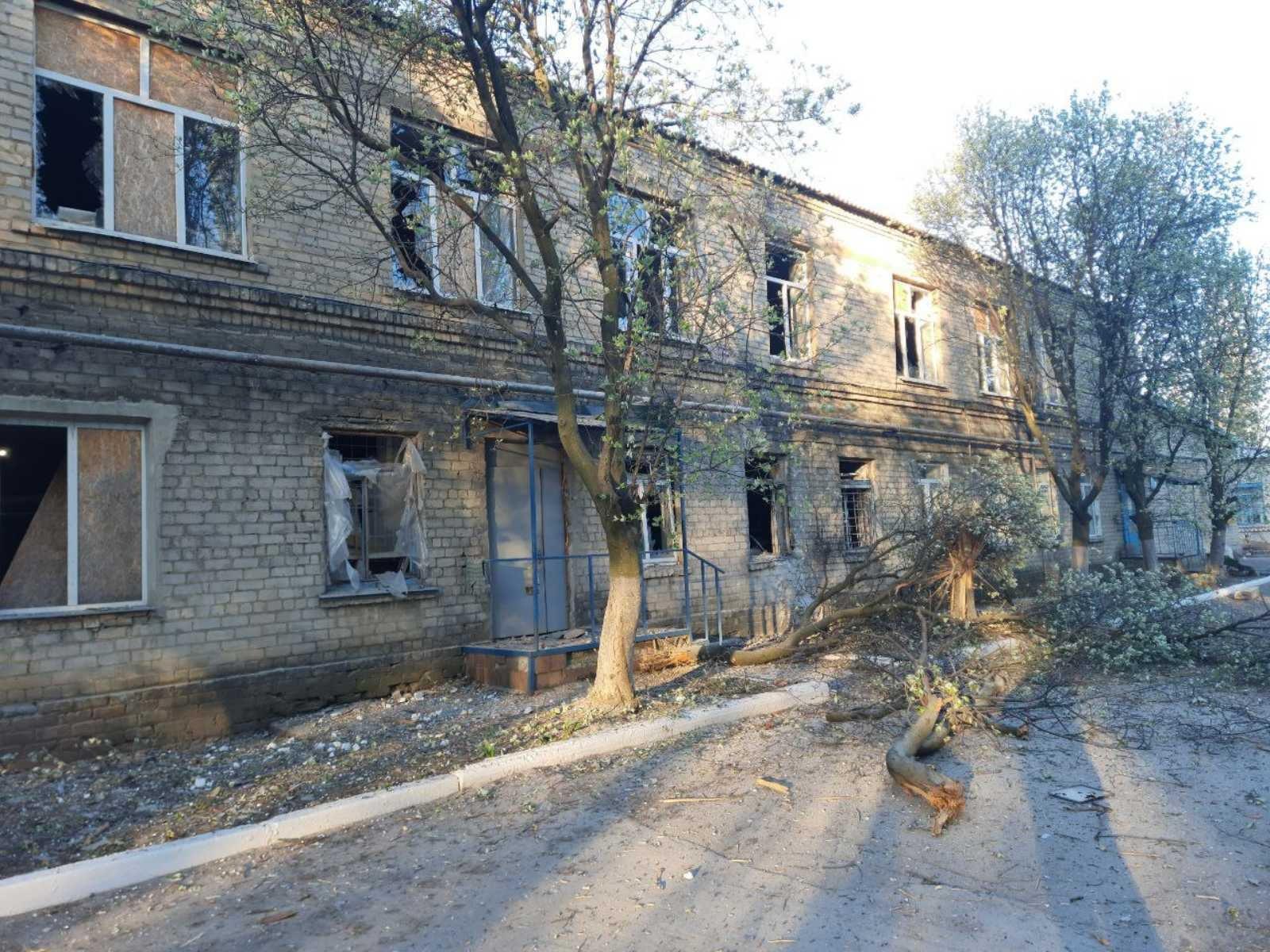 Бойовики обстріляли лікарню на Донеччині, де лікують пацієнтів з коронавірусом
