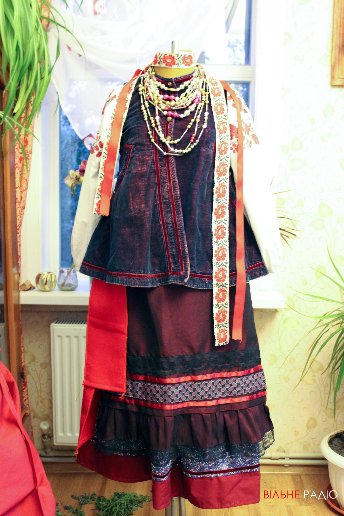 Традиционный наряд, который носили украинки из Донецкой области на праздники