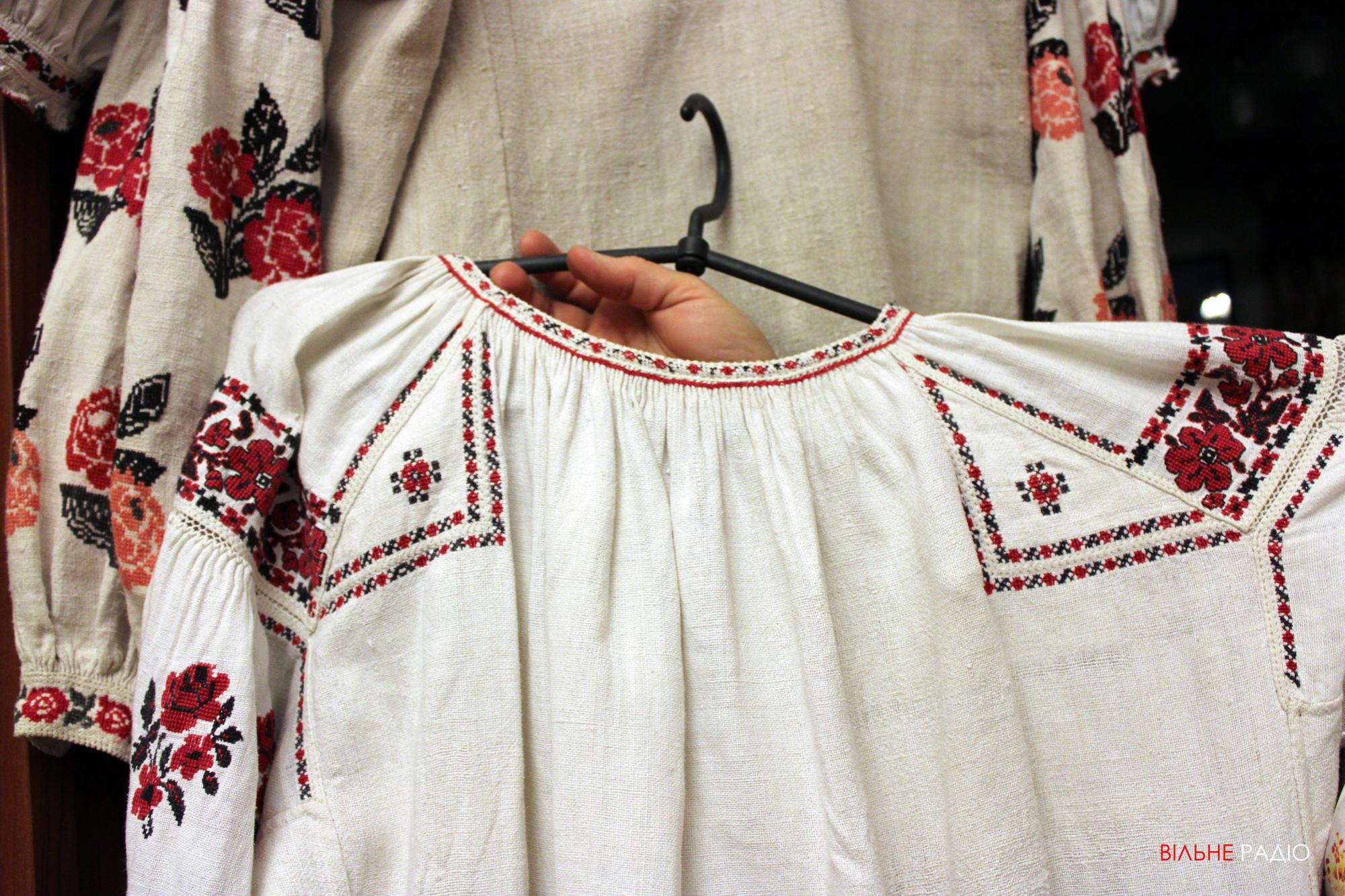 Треугольный орнамент на украинской вышиванке, который по поверию защищает от сглаза