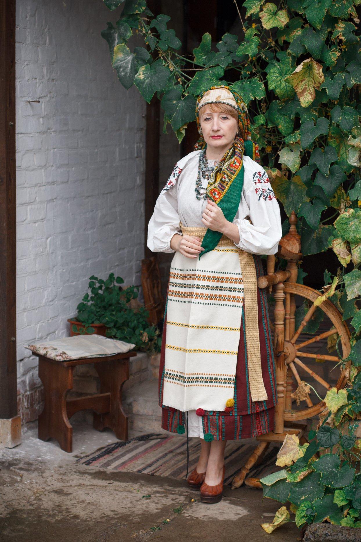 Лилиана Зиньковская из Бахмута в традиционном украинском наряде