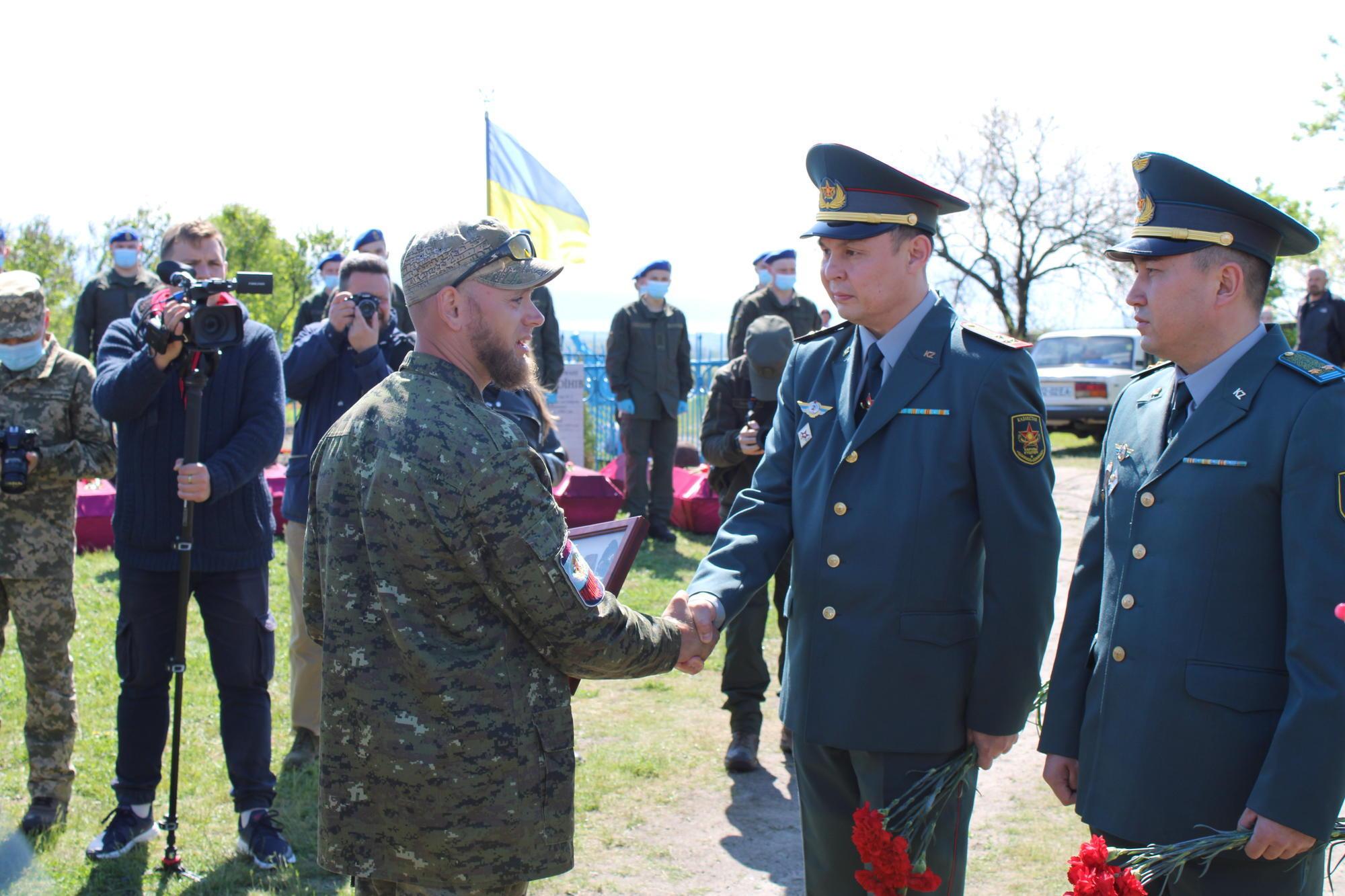 Алексей Юков и военные атташе из Казахстана
