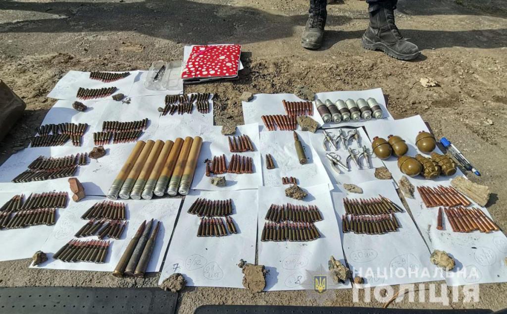У Бахмуті виявили схрон з боєприпасами