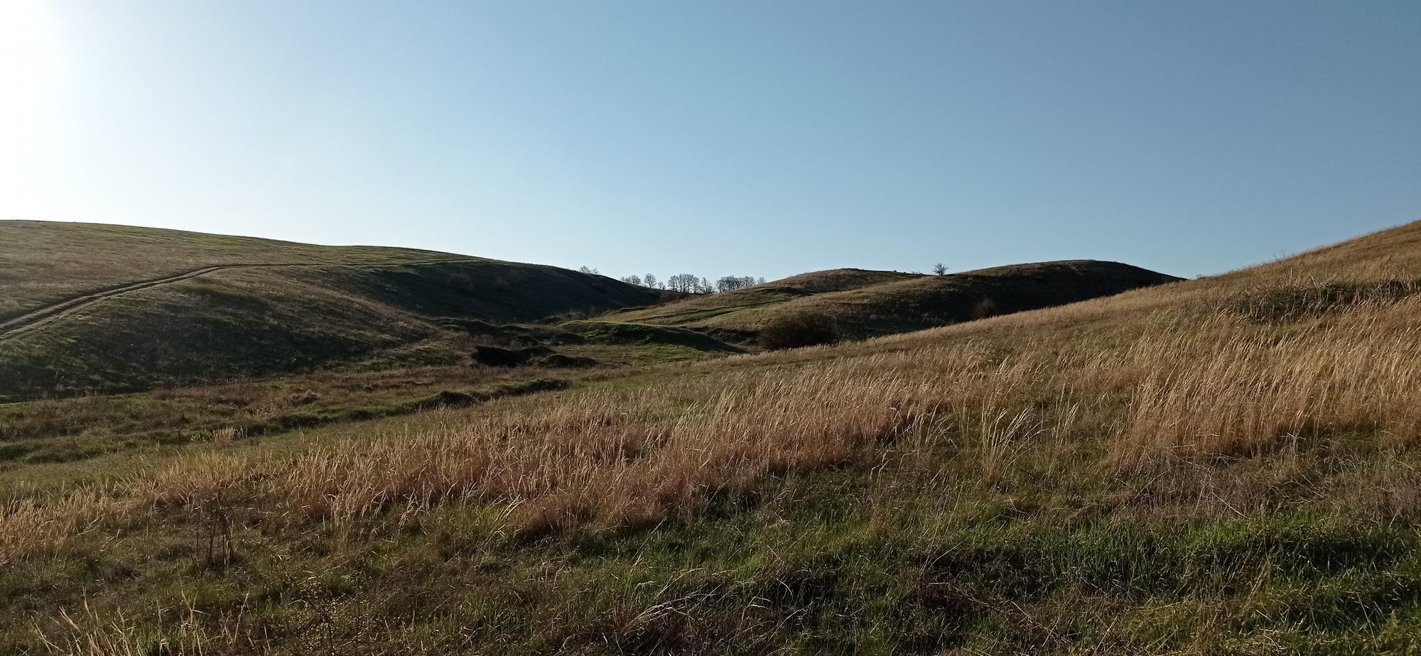 пагорби біля хутора Смольянинової Хромове біля Бахмута