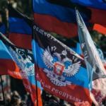 """У Донецьку родинам загиблих бойовиків роздали ключі від """"безхазяйних"""" квартир"""
