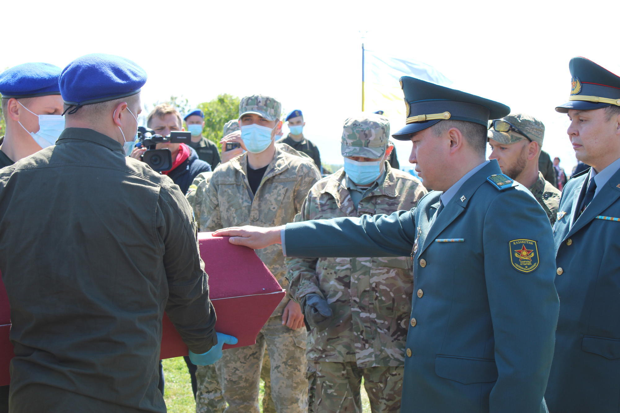 казахский военный атташе