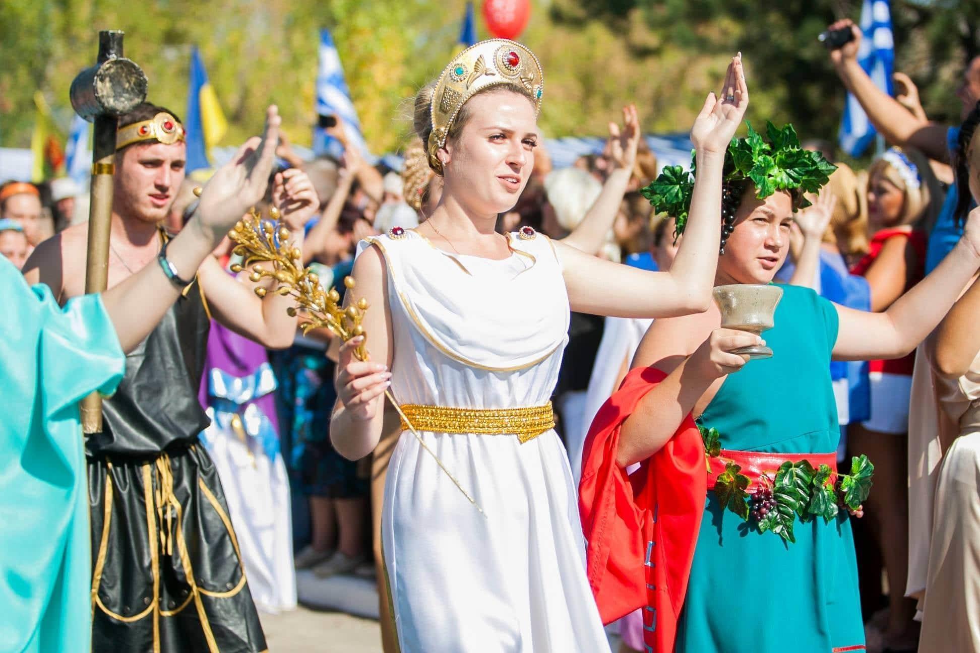 Фестиваль греческой культуры Мега-Юрты, который раз в 2 года проводят в Донецкой области
