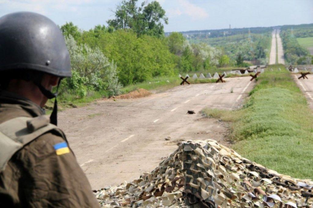 Від снайперського огню в зоні ООС поранення отримав український боєць