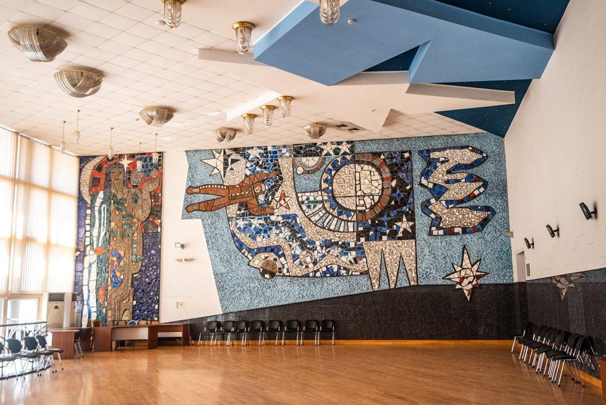 мозаичное панно космос в Мариуполе
