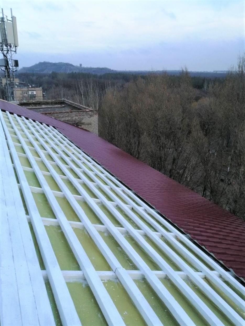 реконструкция крыши Торецкой больницы металлочерепица