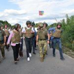 """КПВВ """"Новотроїцьке"""" знову заблоковане. Сьогодні працює лише """"Станиця Луганська"""""""