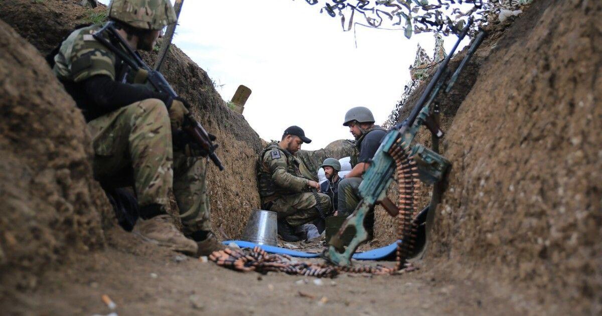 Бойовики на Донбасі 13 разів стріляли по українських укріпленнях
