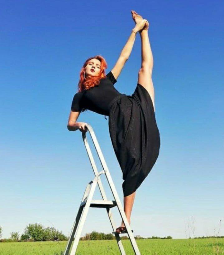 Ученица Светлодарской ООШ Мария Тетерук, сдавшая ВНО по украинскому языку и литературе на 200 баллов, планирует поступать на хореографию