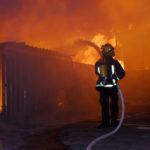 7 вижили, 1 загинув. На Донеччині згорів будинок багатодітної родини,  —  ДСНС