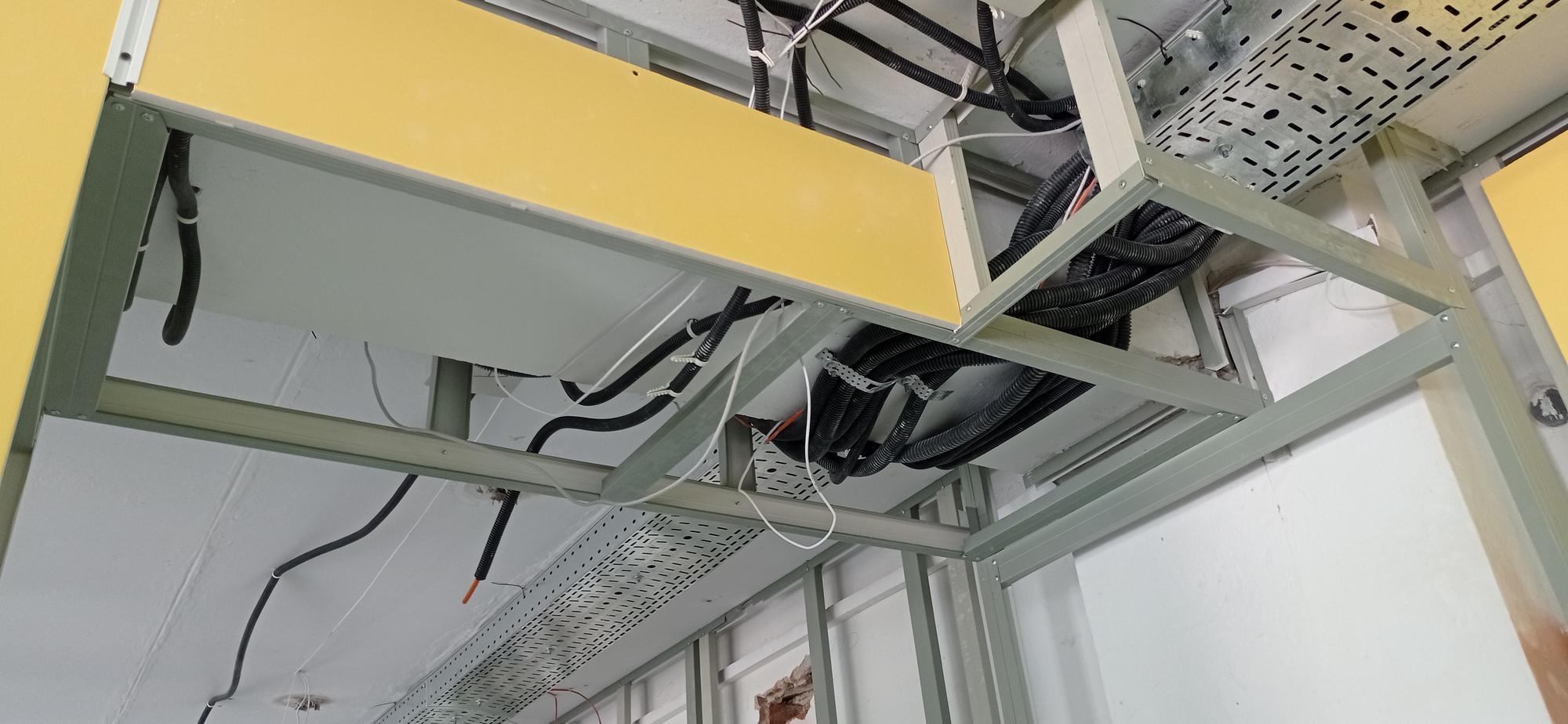 пожежна сигналізація на стелі 3-го поверху. Фото: Вільне радіо