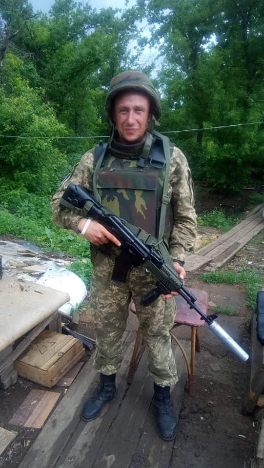 В зоне ООС снайпер боевиков смертельно ранил украинского военного