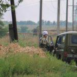 Ждали год. Жители Жованки получили огнетушители, чтобы спасать дома от пожаров после обстрелов (ФОТО)