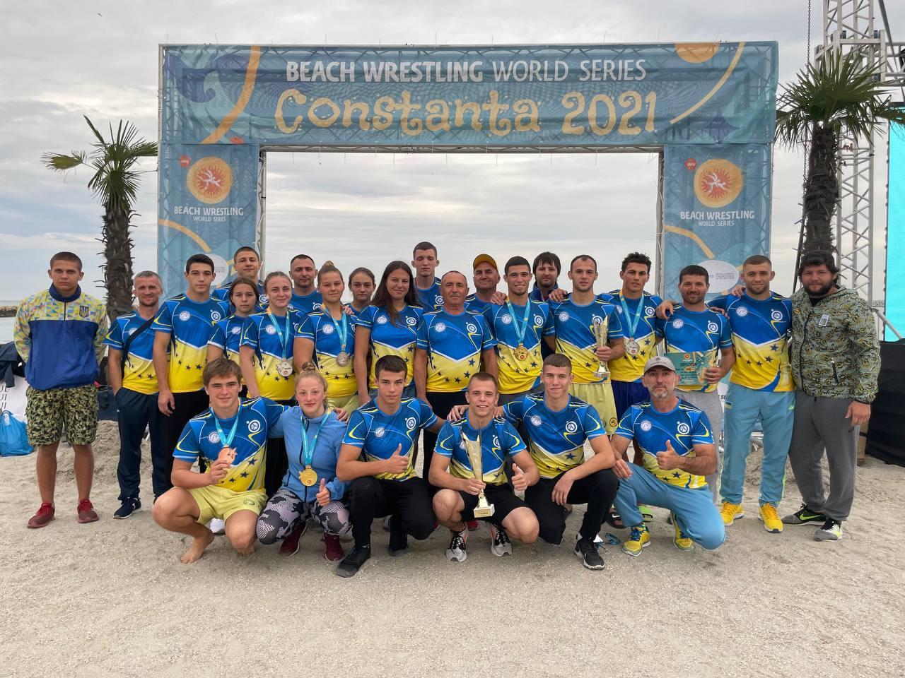Спортсменки з Бахмута стали найкращими на Чемпіонаті світу з пляжної боротьби