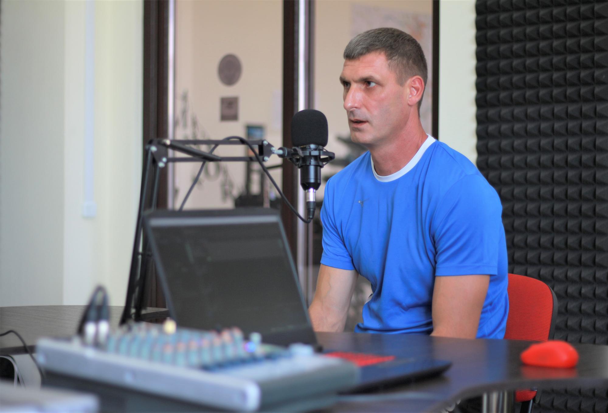 вчитель фізкультури з Бахмута Дмитро Дробітько