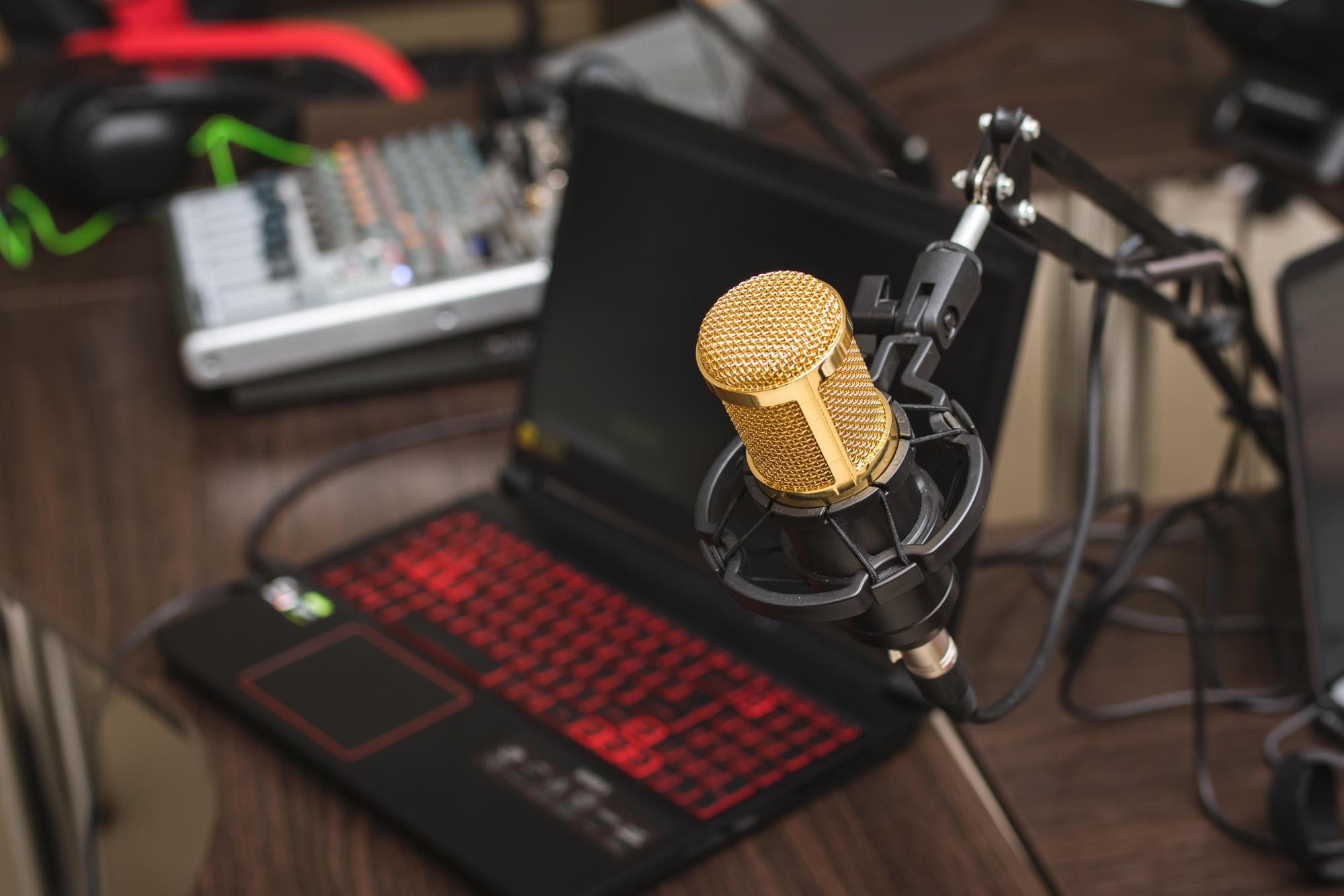 8 програм, які можна послухати в етері Вільного радіо