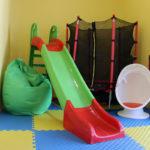 Сухие бассейны, тренажеры, массаж: в Торецке заработал детский центр раннего вмешательства (ФОТОРЕПОРТАЖ)
