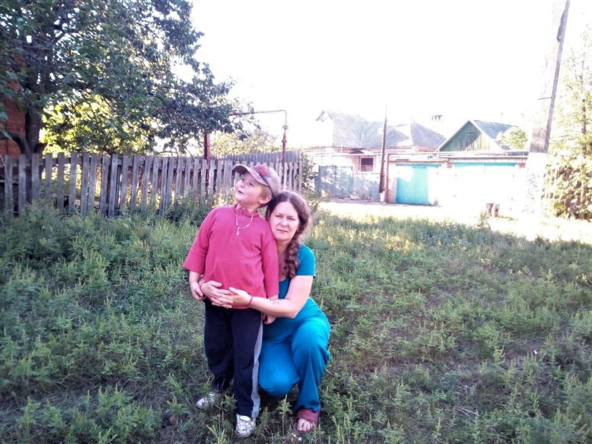 Ольга Давишня з наймолодшим сином у Сіверську