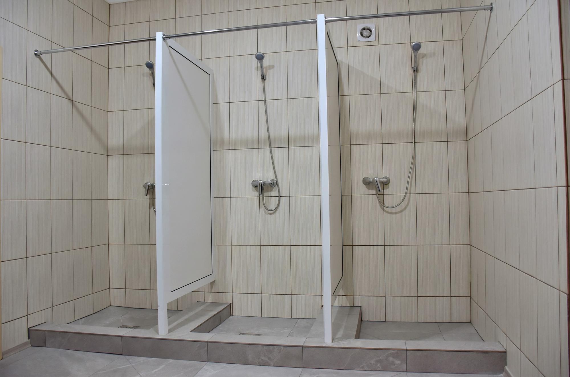 душова кімната у гуртожитку Лиман
