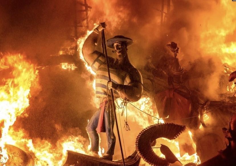 В Іспанії пройшов традиційний фестиваль Лас-Фальяс