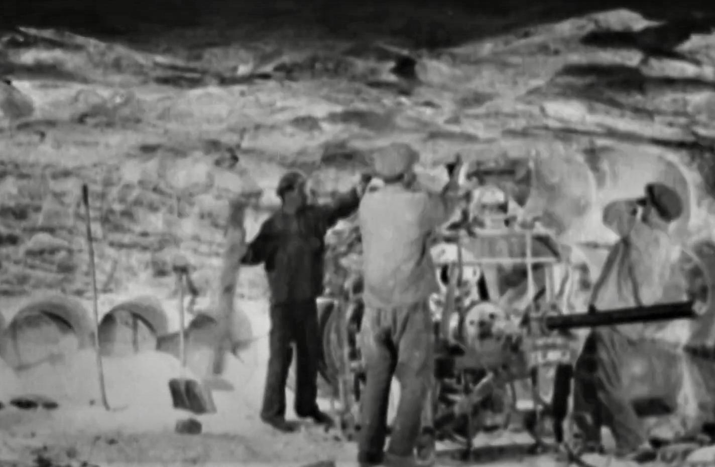 видобуток солі вибуховим методом у Артемівському районі