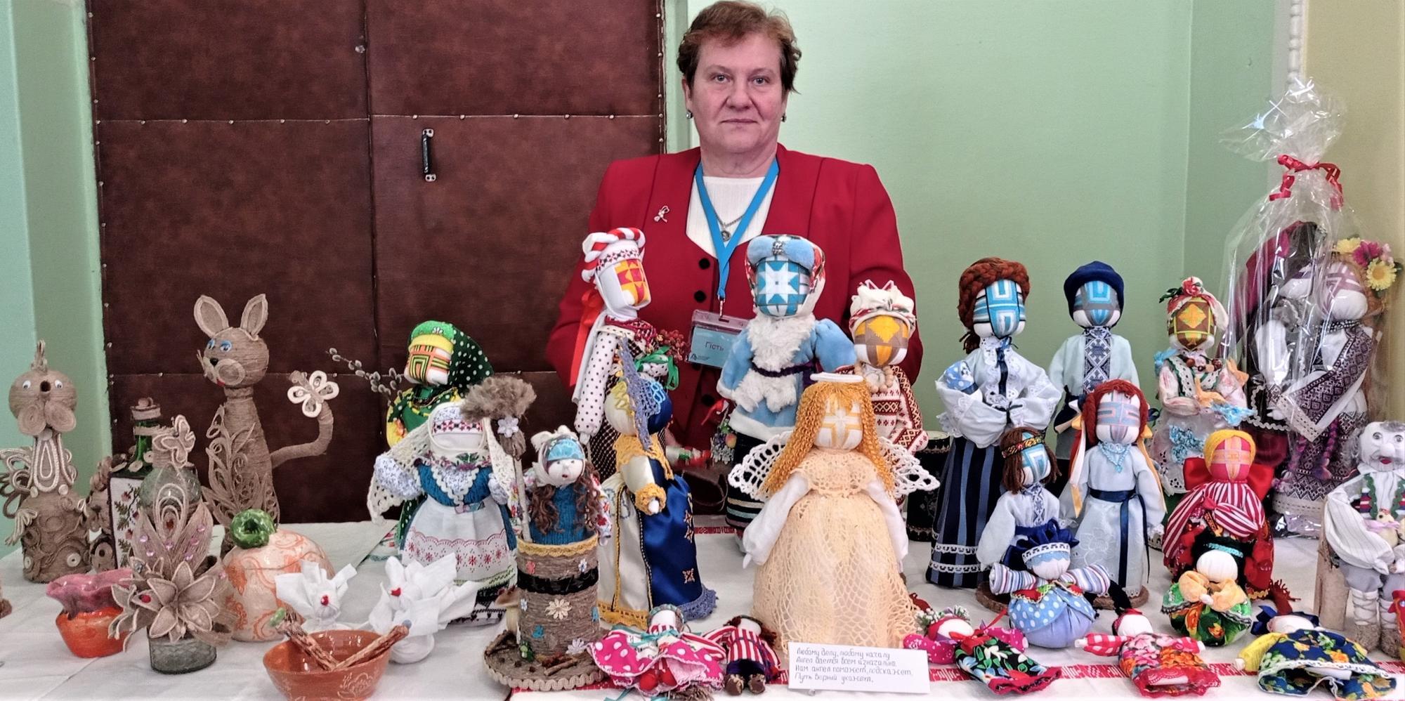 майстриня з Нью-Йорка ляльки-мотанки